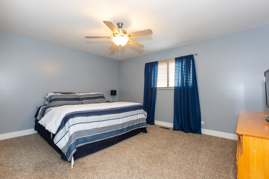 Real Estate Photography - 1918 Heather Way Ln, Unit 39, New Lenox, IL, 60451 - Master Bedroom