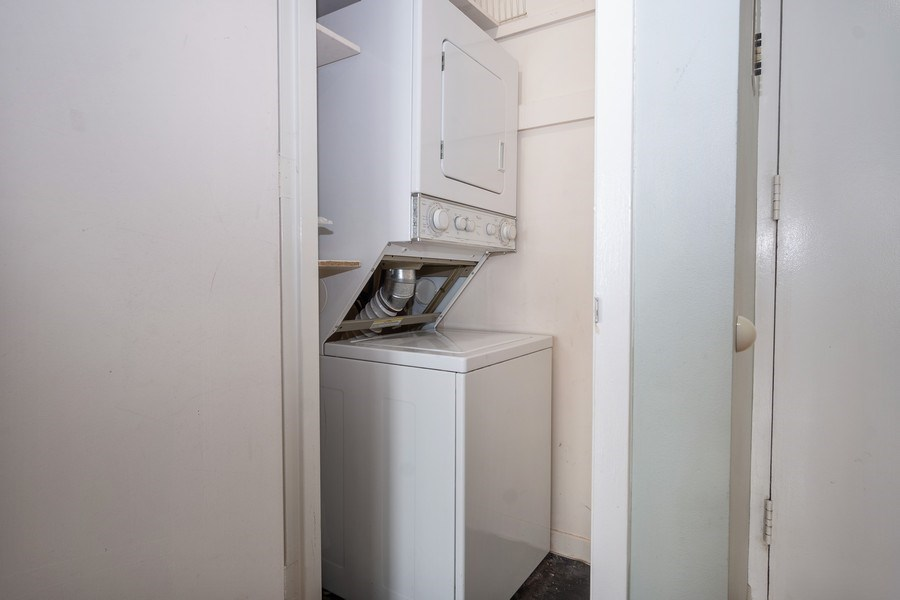 Real Estate Photography - 2626 N Lakeview Ave, Unit 4105, Chicago, IL, 60614 - Laundry Room