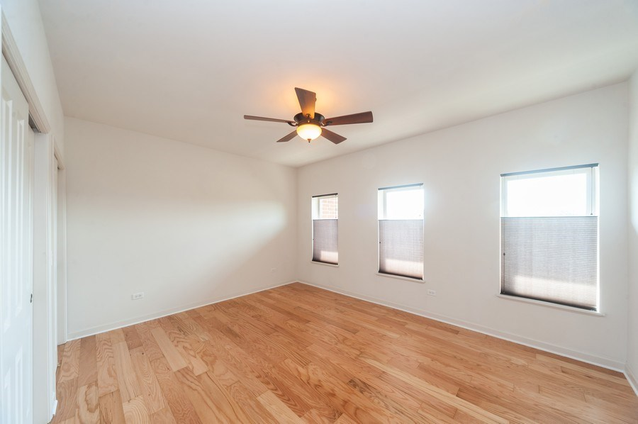Real Estate Photography - 400 Village Green Pkwy, 304, Lincolnshire, IL, 60069 - 2nd Bedroom