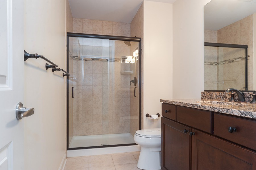 Real Estate Photography - 400 Village Green Pkwy, 304, Lincolnshire, IL, 60069 - Bathroom
