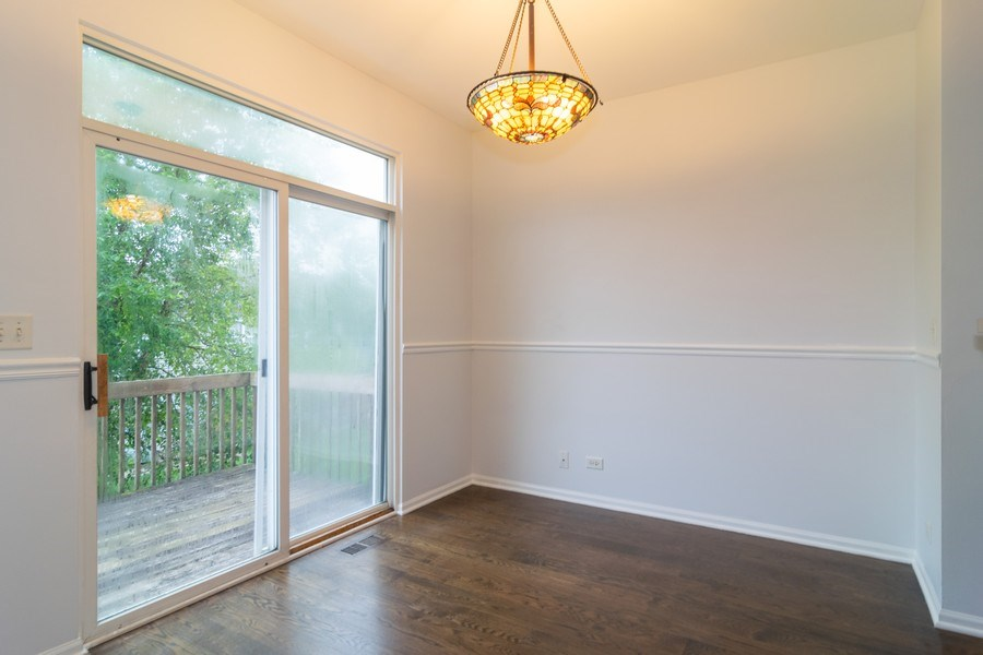 Real Estate Photography - 565 Peregrine Pkwy, 565, Bartlett, IL, 60103 - Breakfast Nook