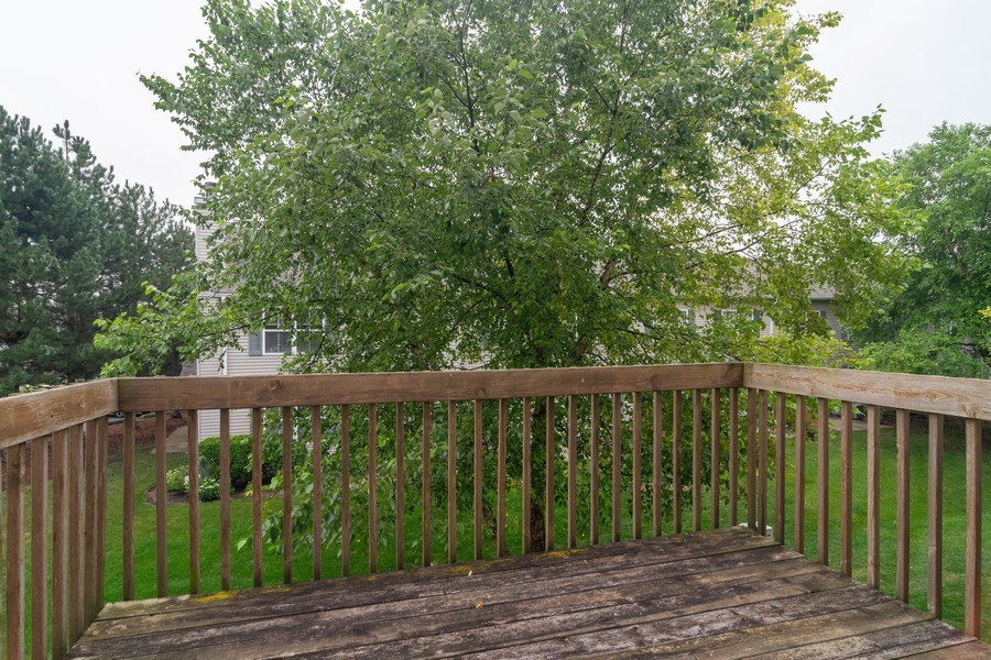 Real Estate Photography - 565 Peregrine Pkwy, 565, Bartlett, IL, 60103 - Balcony