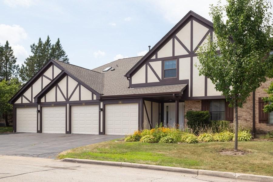Real Estate Photography - 603 Elizabeth Dr, 27-A-L, Wood Dale, IL, 60191 - Front View