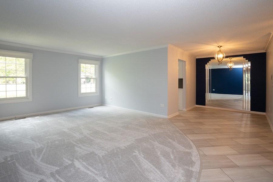 Real Estate Photography - 603 Elizabeth Dr, 27-A-L, Wood Dale, IL, 60191 - Living Room / Dining Room