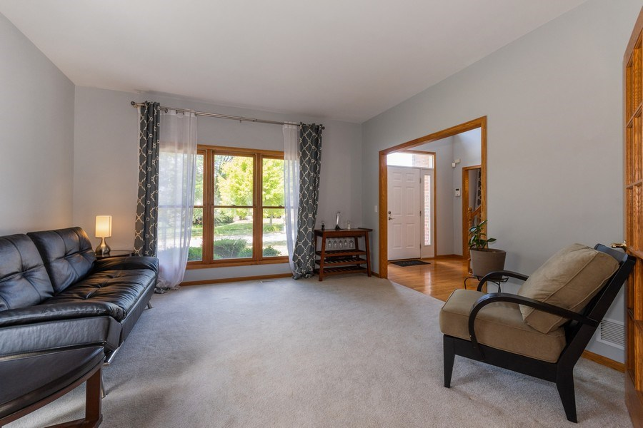 Real Estate Photography - 612 Ridgelawn Trl, Batavia, IL, 60510 - Living Room
