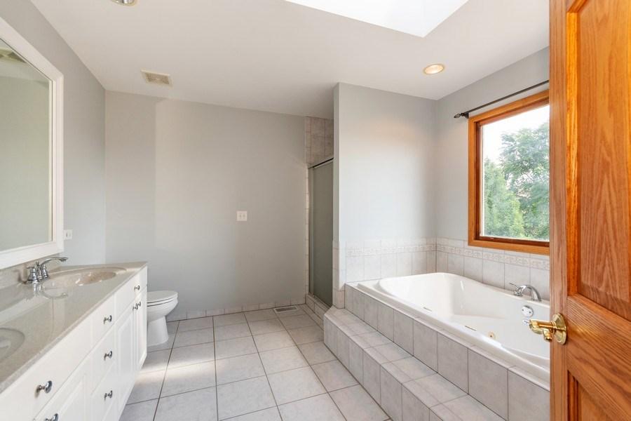 Real Estate Photography - 612 Ridgelawn Trl, Batavia, IL, 60510 - Master Bathroom