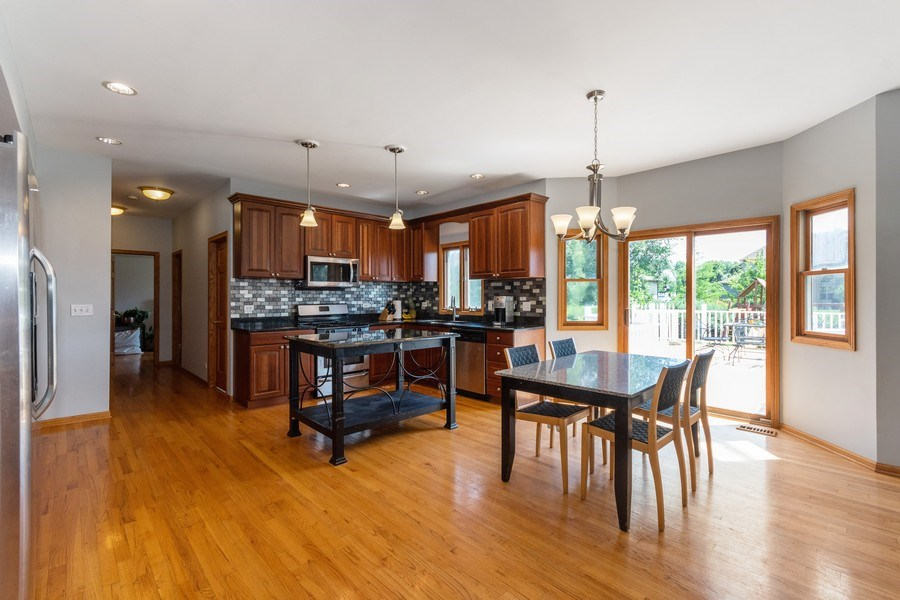 Real Estate Photography - 612 Ridgelawn Trl, Batavia, IL, 60510 - Kitchen