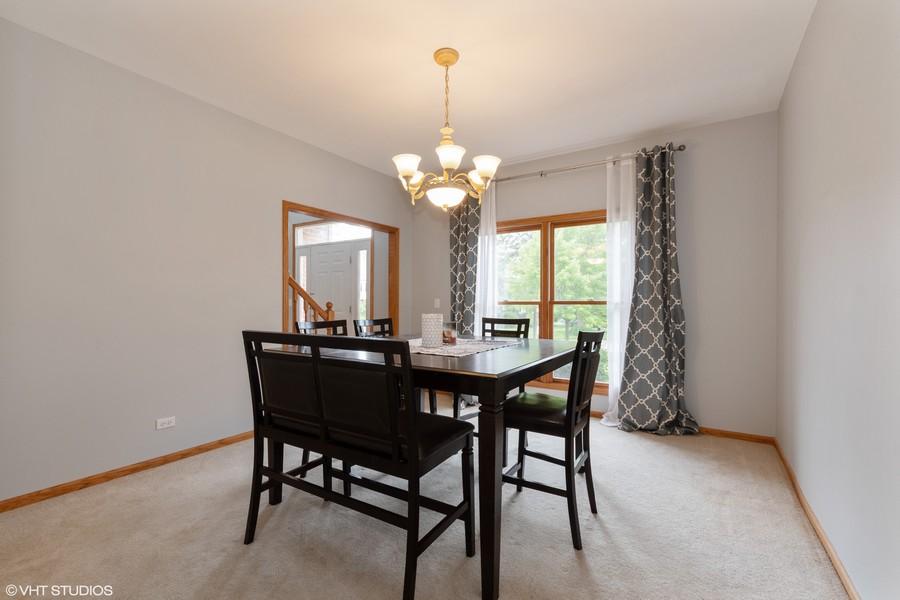Real Estate Photography - 612 Ridgelawn Trl, Batavia, IL, 60510 -