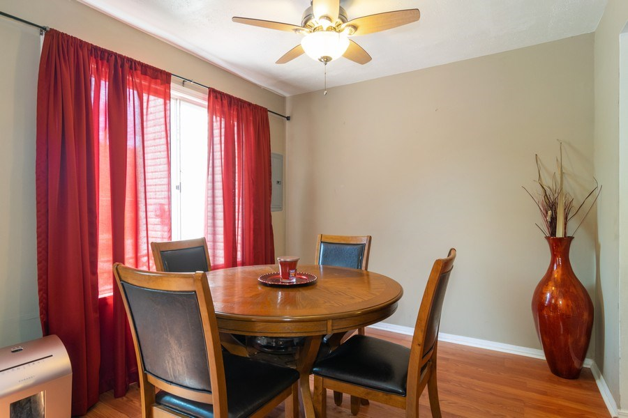 Real Estate Photography - 1758 Raleigh Ln, Hoffman Estates, IL, 60169 - Dining Room