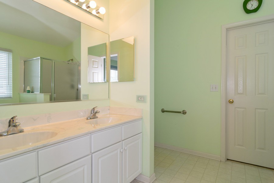 Real Estate Photography - 118 Cedarfield Dr, Bartlett, IL, 60103 - Master Bathroom