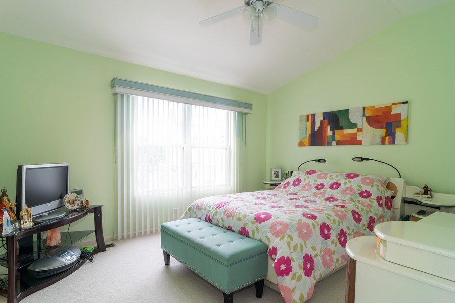 Real Estate Photography - 118 Cedarfield Dr, Bartlett, IL, 60103 - Master Bedroom