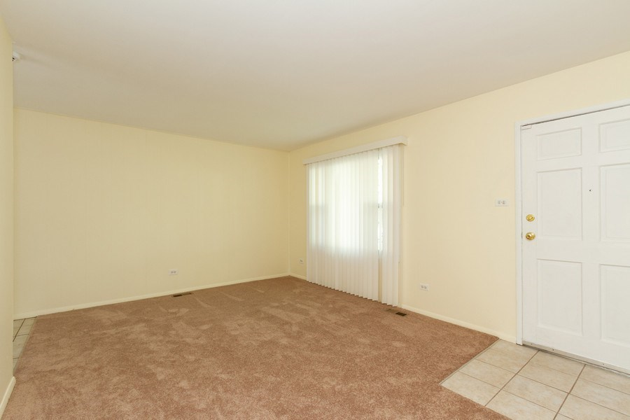 Real Estate Photography - 22201 Belmont Rd, Richton Park, IL, 60471 - Living Room