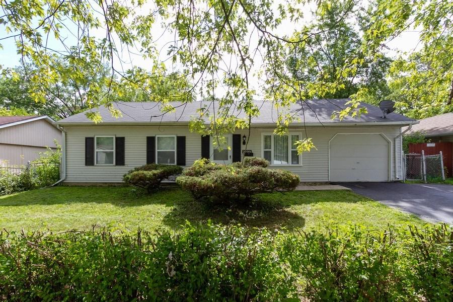 Real Estate Photography - 22201 Belmont Rd, Richton Park, IL, 60471 - Front View