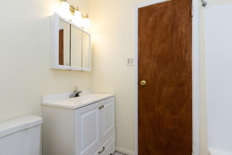 Real Estate Photography - 22201 Belmont Rd, Richton Park, IL, 60471 - Bathroom