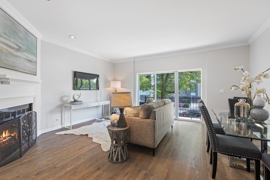 Real Estate Photography - 1618 North Burling St, A, Chicago, IL, 60614 - Living Room