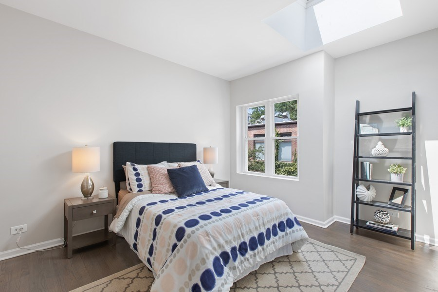 Real Estate Photography - 1618 North Burling St, A, Chicago, IL, 60614 - Bedroom