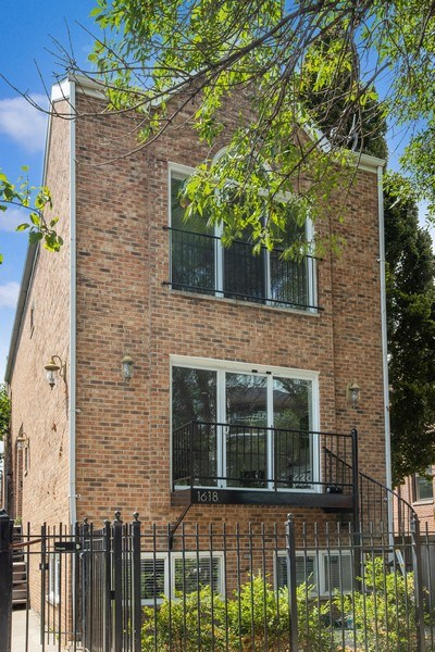 Real Estate Photography - 1618 North Burling St, A, Chicago, IL, 60614 - Front View