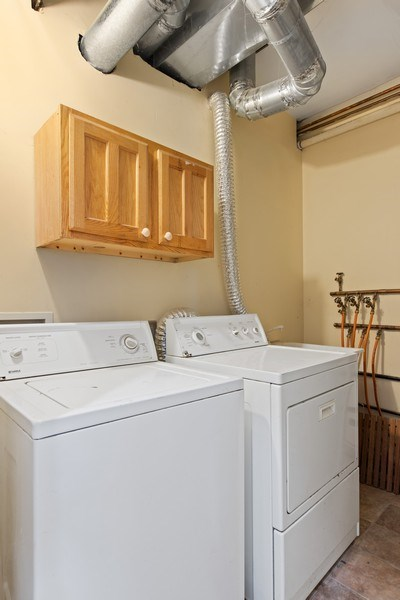 Real Estate Photography - 1618 North Burling St, A, Chicago, IL, 60614 - Laundry Room