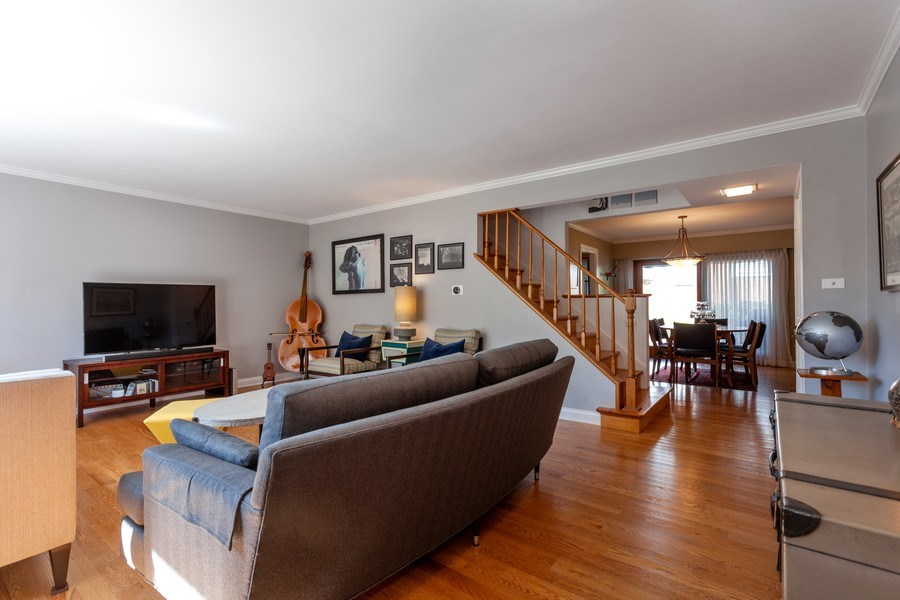 Real Estate Photography - 202 Chanticleer Ln, Hinsdale, IL, 60521 - Living Room