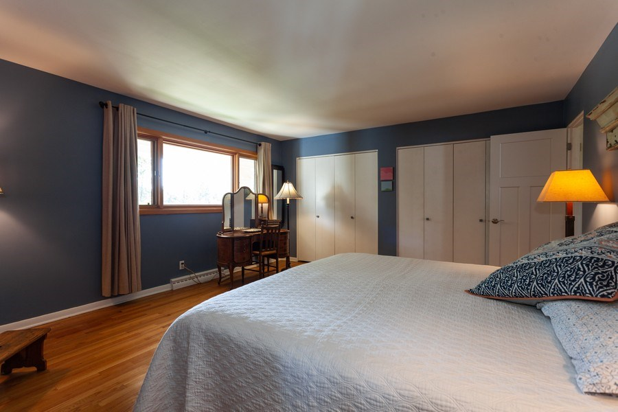 Real Estate Photography - 202 Chanticleer Ln, Hinsdale, IL, 60521 - Master Bedroom