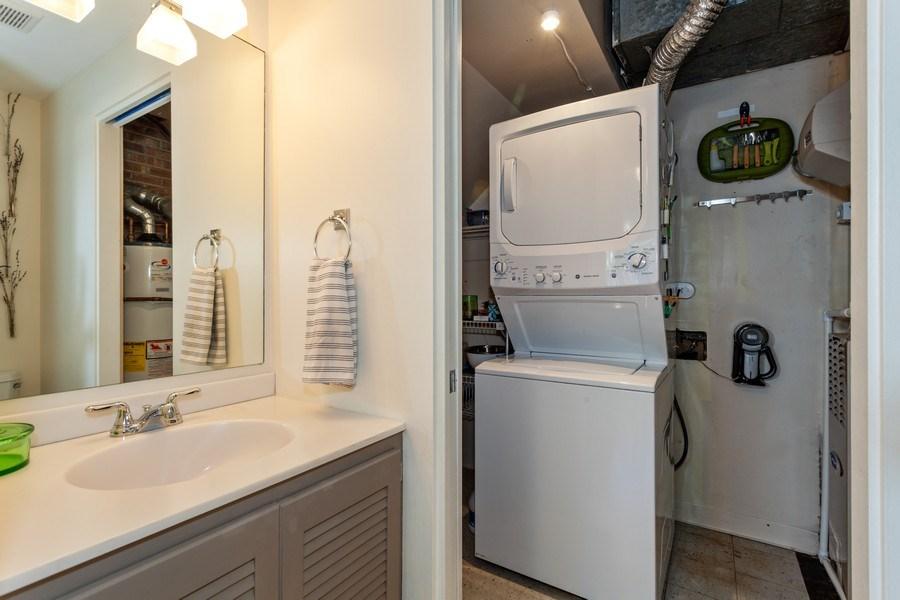 Real Estate Photography - 202 Chanticleer Ln, Hinsdale, IL, 60521 - Half Bath