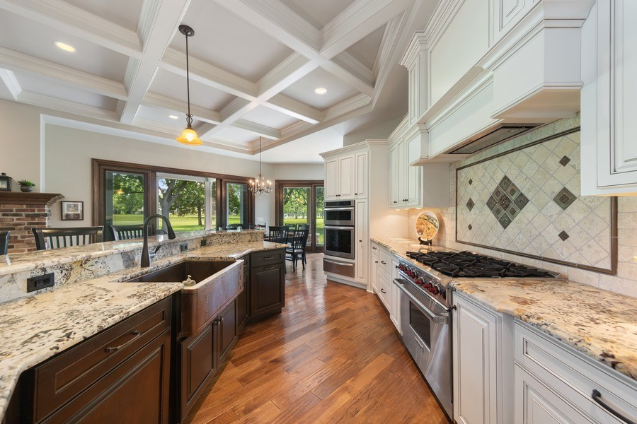 Real Estate Photography - 1108 Heatherton Dr, Naperville, IL, 60563 - Kitchen