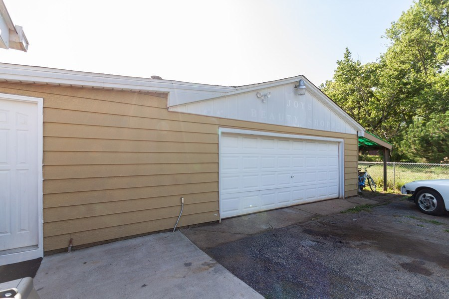 Real Estate Photography - 25443 West Route 30 Hwy, Plainfield, IL, 60585 - Garage