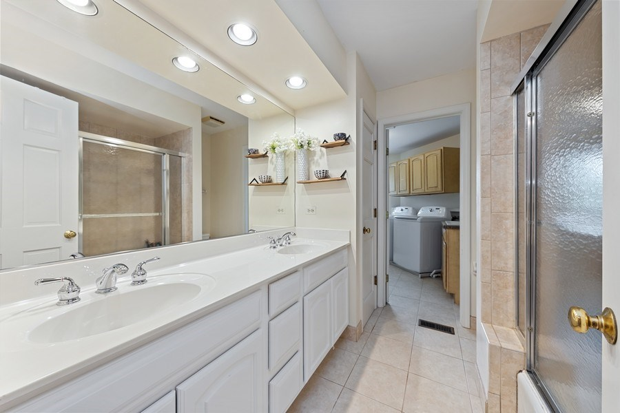 Real Estate Photography - 20831 North Wildrose Dr, Deer Park, IL, 60010 - 2nd Bathroom