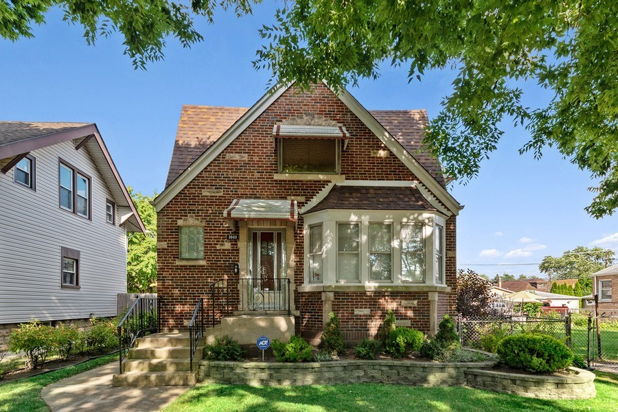 Real Estate Photography - 3049 North Oak Park Ave, Chicago, IL, 60634 - Front View