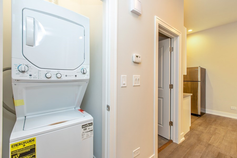 Real Estate Photography - 1450 North Ashland Ave, Chicago, IL, 60622 - Laundry Room