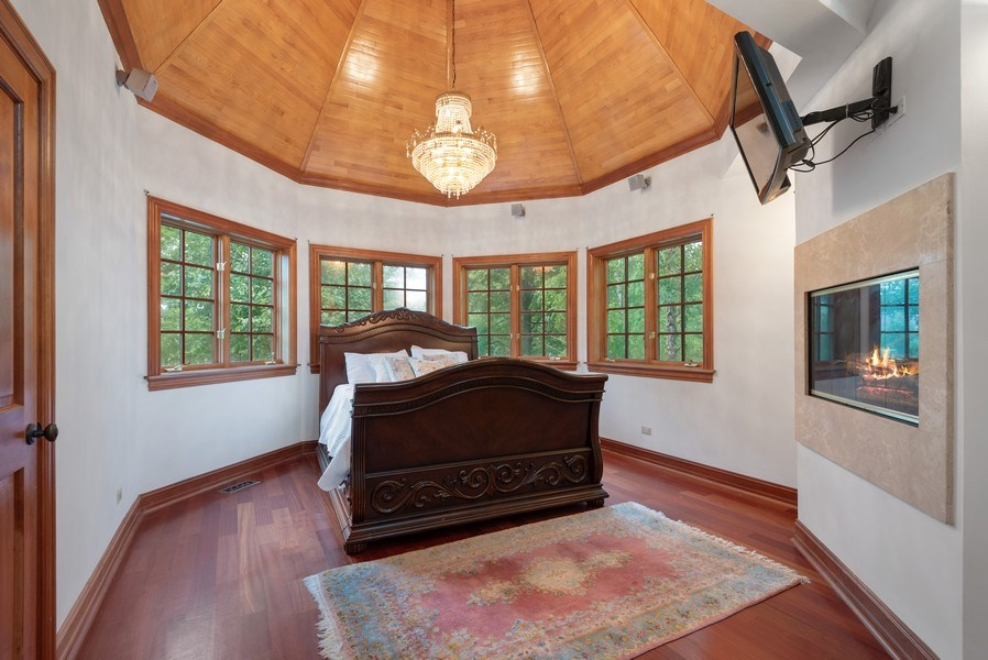Real Estate Photography - 305 Central Ave, Wilmette, IL, 60091 - Master Bedroom