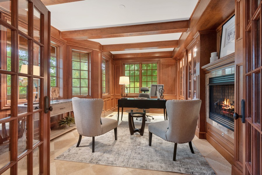 Real Estate Photography - 305 Central Ave, Wilmette, IL, 60091 - Office