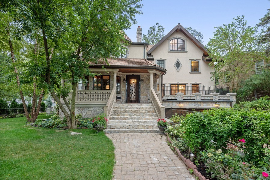 Real Estate Photography - 305 Central Ave, Wilmette, IL, 60091 - Front View