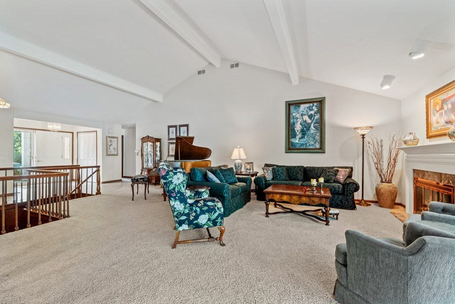 Real Estate Photography - 1270 Carol Ln, Deerfield, IL, 60015 - Living Room