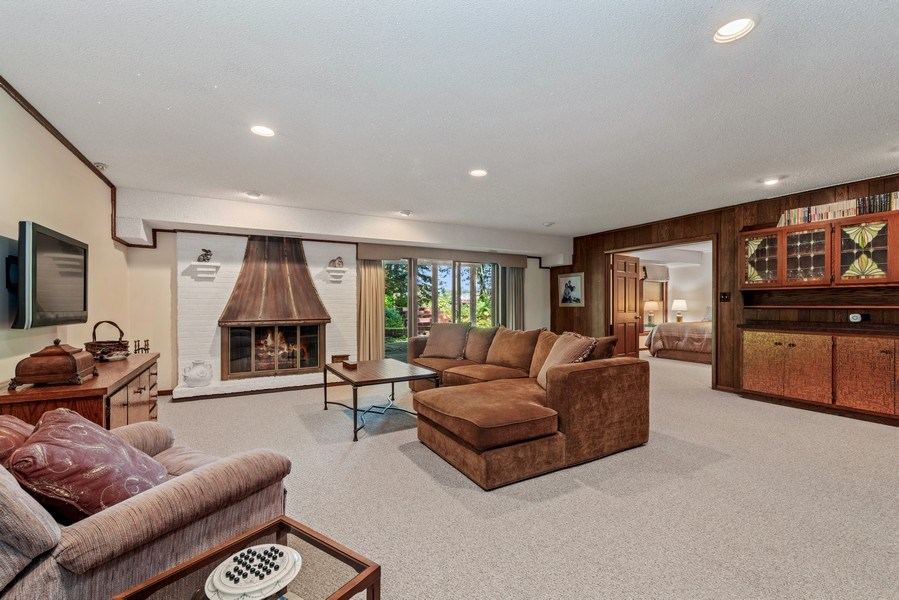 Real Estate Photography - 1270 Carol Ln, Deerfield, IL, 60015 - Family Room