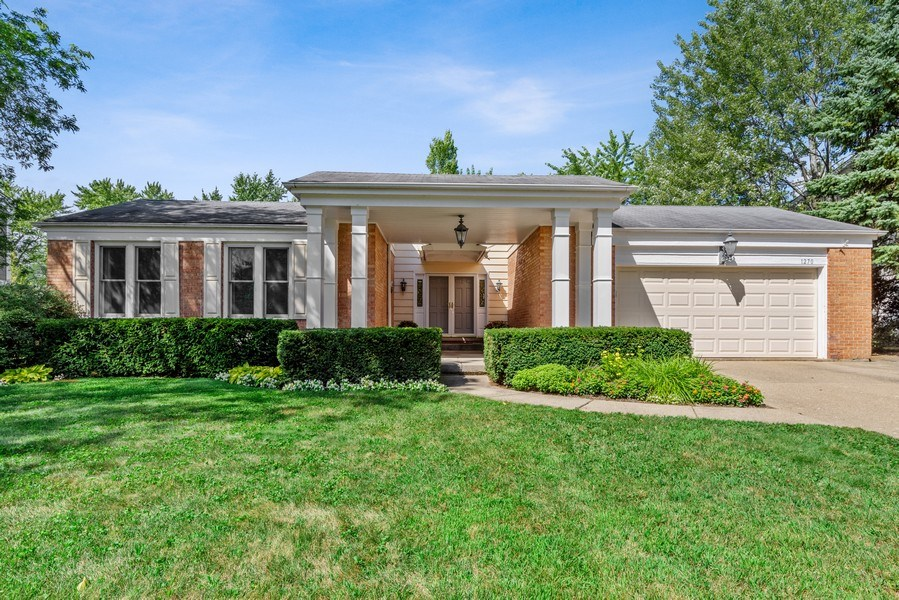Real Estate Photography - 1270 Carol Ln, Deerfield, IL, 60015 - Front View