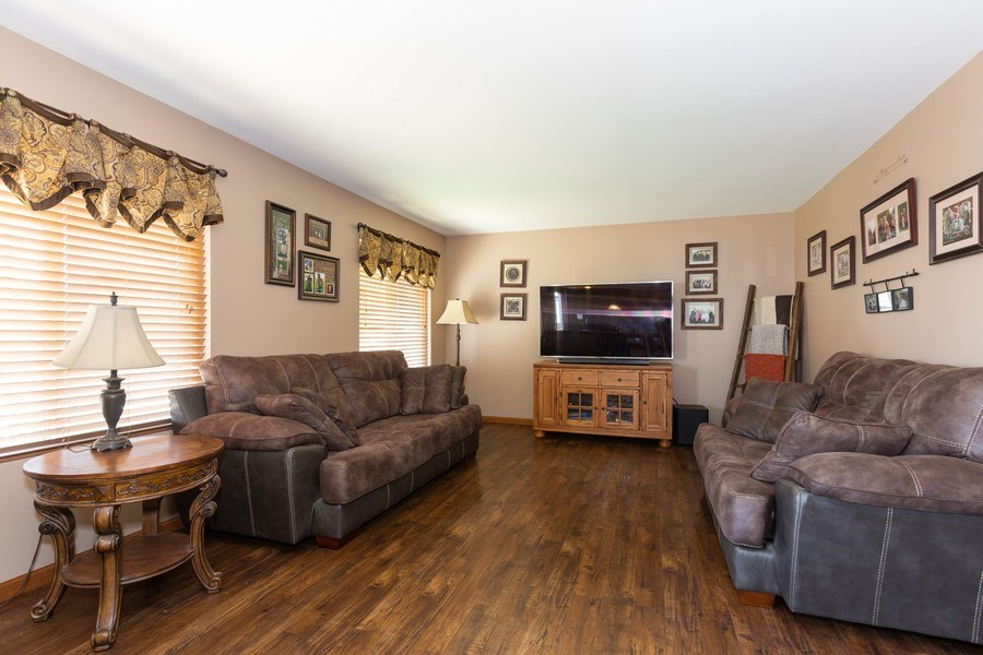 Real Estate Photography - 3508 Ironwood Ct, Joliet, IL, 60435 - Family Room