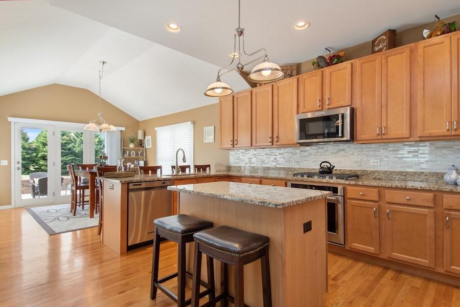 Real Estate Photography - 502 Mallard Point Dr, North Aurora, IL, 60542 - Kitchen / Breakfast Room