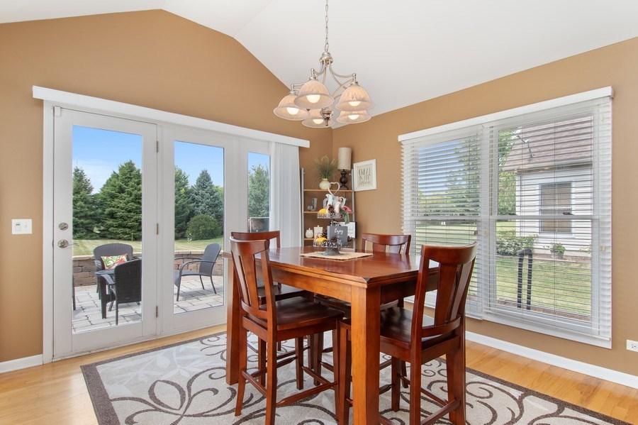 Real Estate Photography - 502 Mallard Point Dr, North Aurora, IL, 60542 - Breakfast Area