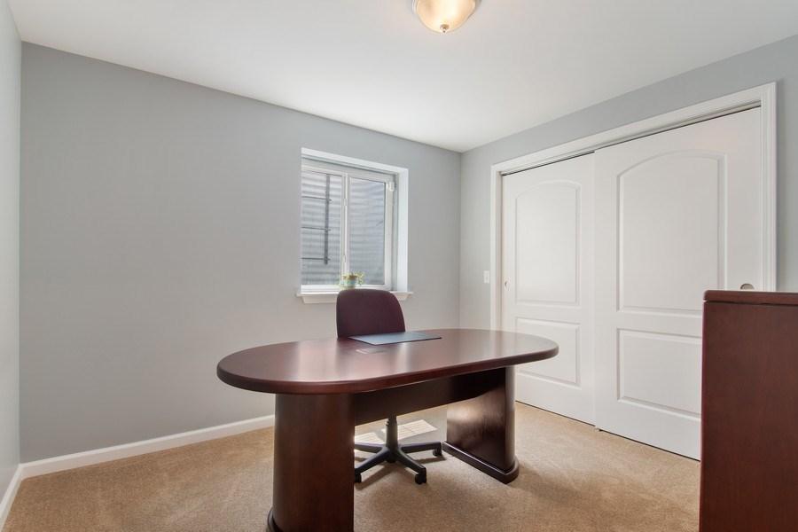 Real Estate Photography - 502 Mallard Point Dr, North Aurora, IL, 60542 - Office