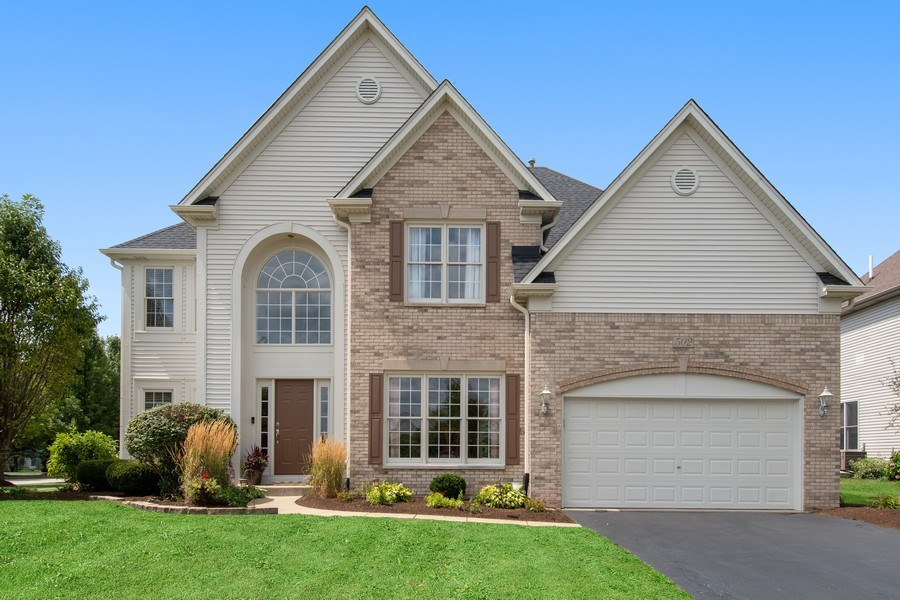 Real Estate Photography - 502 Mallard Point Dr, North Aurora, IL, 60542 - Front View