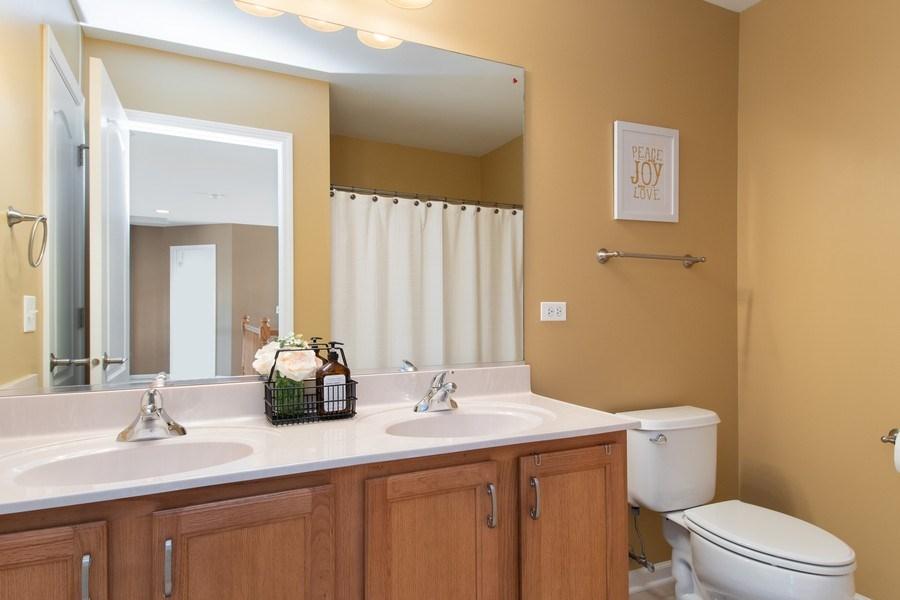 Real Estate Photography - 502 Mallard Point Dr, North Aurora, IL, 60542 - 2nd Bathroom