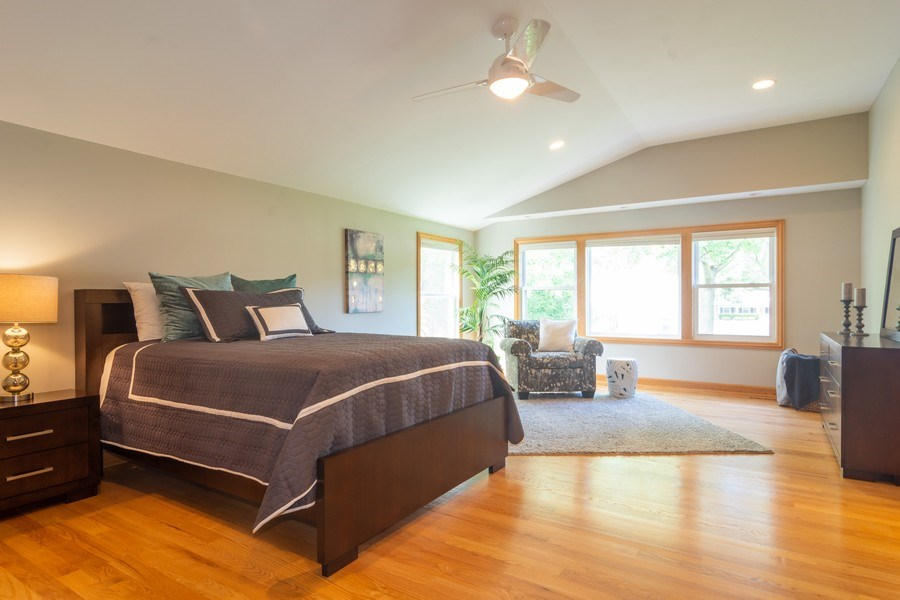 Real Estate Photography - 3039 North Huntington Dr, Arlington Heights, IL, 60004 - Huge Master Bedroom w/sitting area