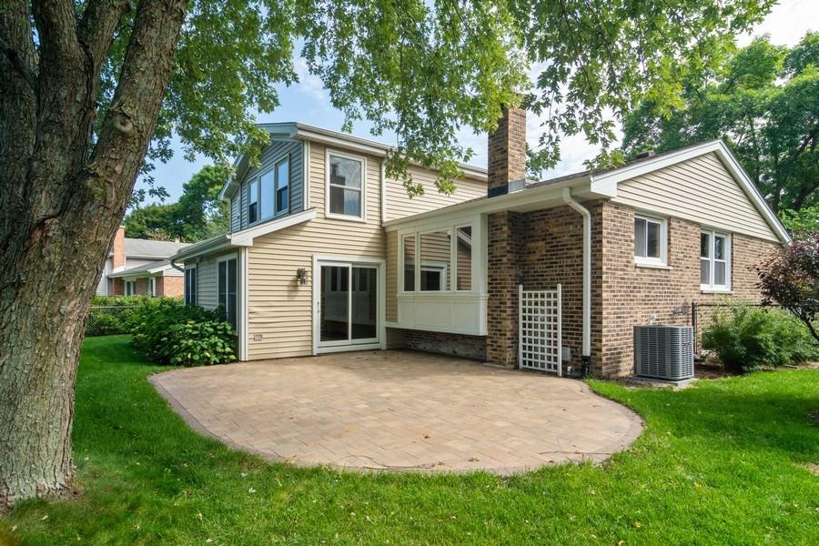 Real Estate Photography - 3039 North Huntington Dr, Arlington Heights, IL, 60004 - Large Brick Patio