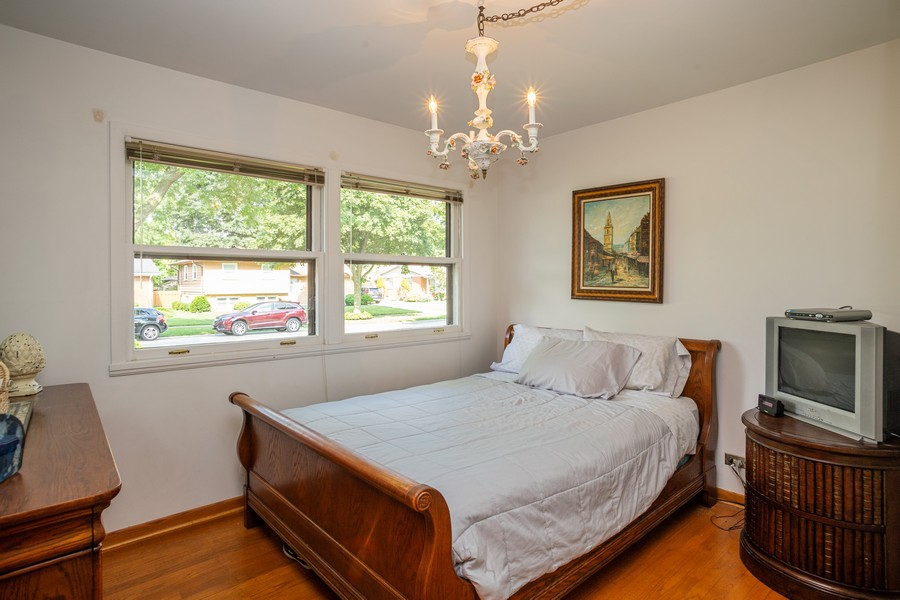 Real Estate Photography - 929 South Chestnut Ave, Arlington Heights, IL, 60005 - 2nd Bedroom