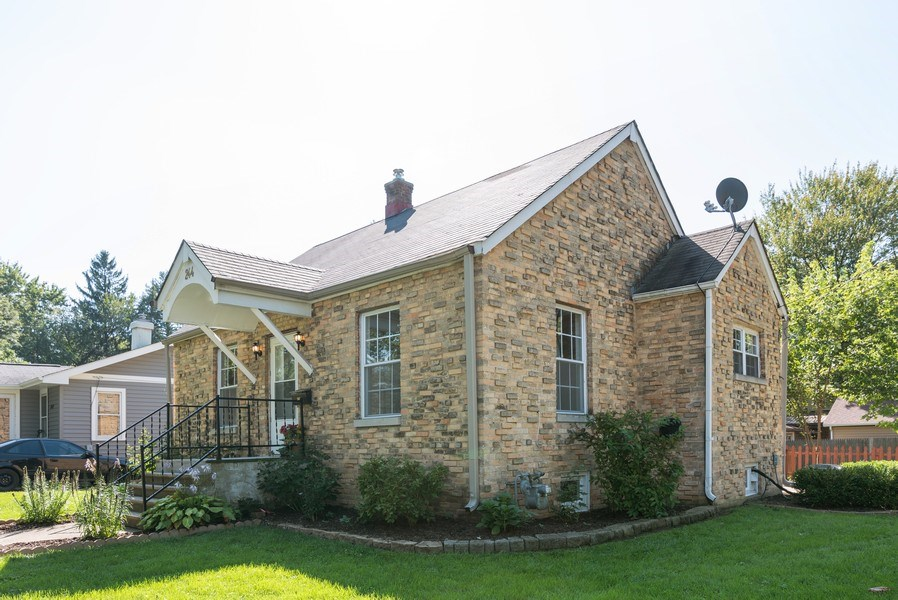 Real Estate Photography - 244 North Clifton Ave, Elgin, IL, 60123 - Front View