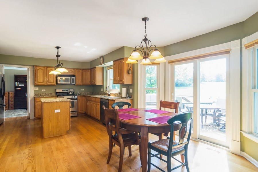 Real Estate Photography - 23975 East Lancaster Ct, Deer Park, IL, 60010 - Kitchen / Breakfast Room
