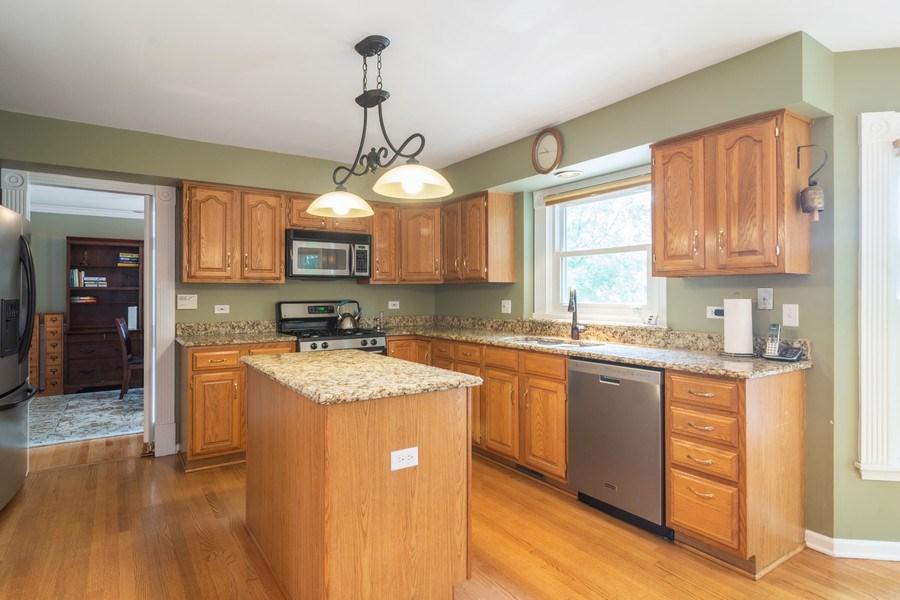 Real Estate Photography - 23975 East Lancaster Ct, Deer Park, IL, 60010 - Kitchen