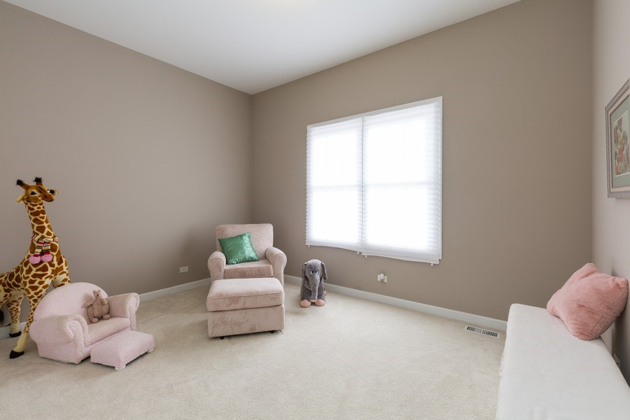 Real Estate Photography - 906 Sunrise Dr, South Elgin, IL, 60177 - 2nd Bedroom