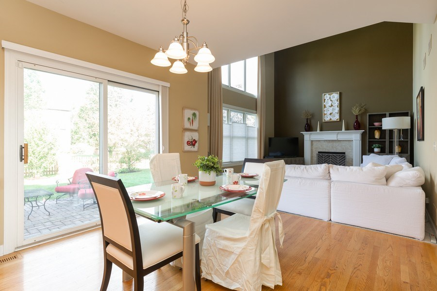 Real Estate Photography - 906 Sunrise Dr, South Elgin, IL, 60177 - Kitchen / Breakfast Room